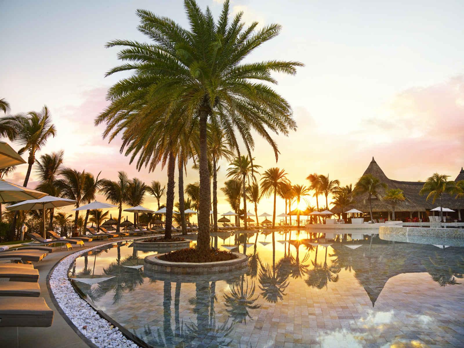 LUX* Belle Mare Resort & Villas - 5*