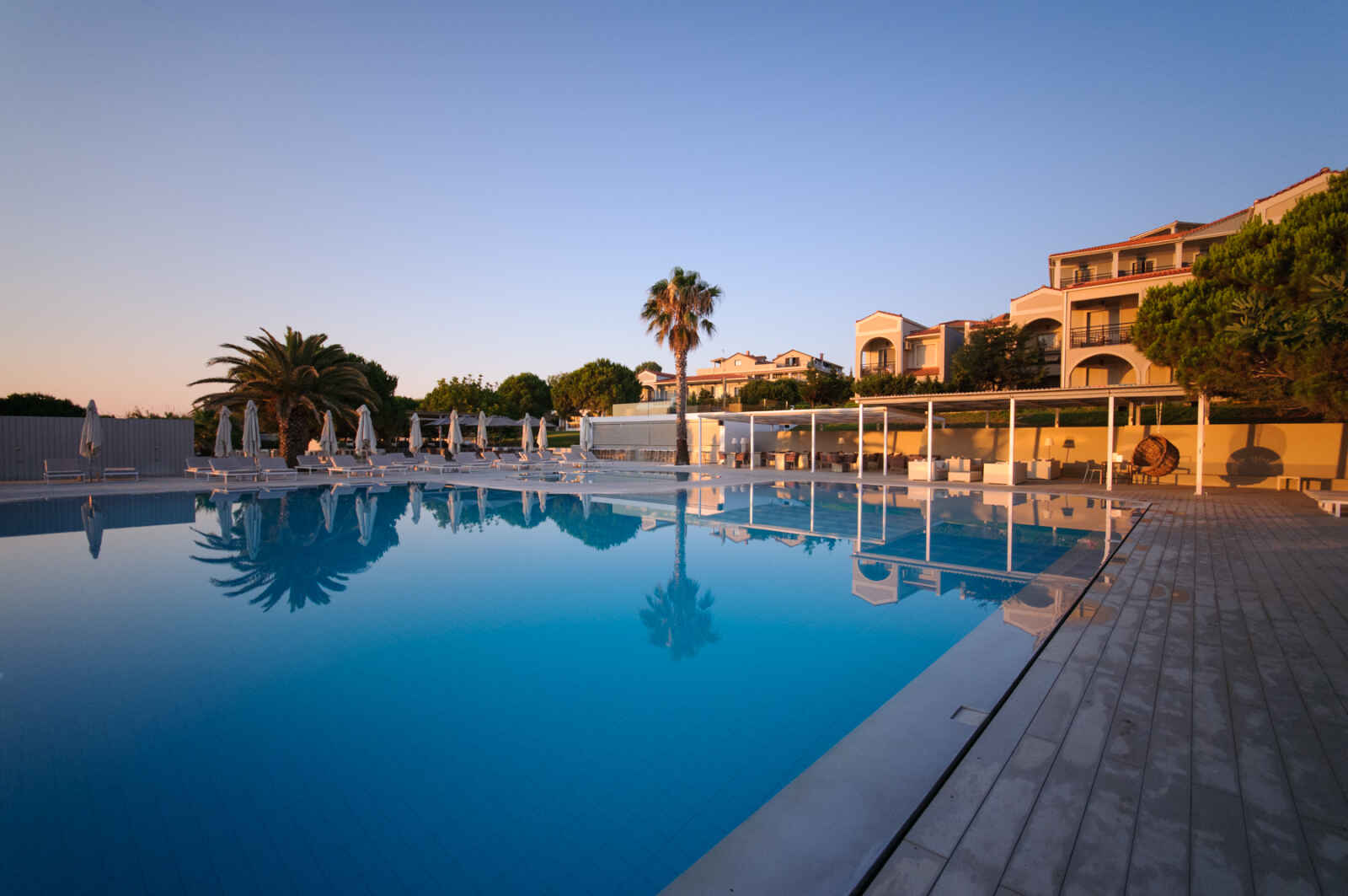 The Bay Hotel & Suites - 5*